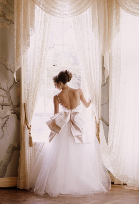 Backless large Dior bow with Tulle skirt