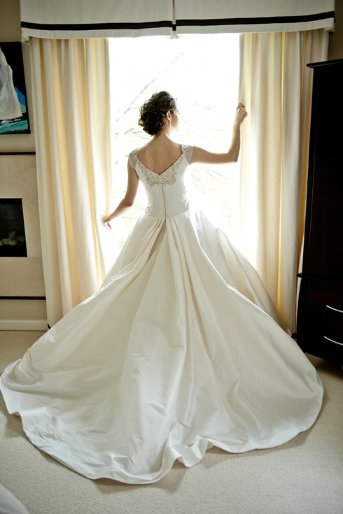 Ballroom skirt wedding dress valencienne
