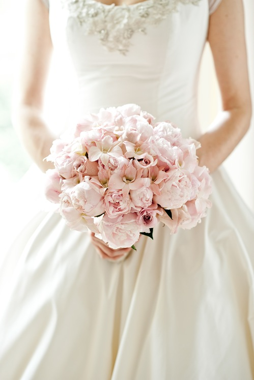 valencienne wedding gown Fa florist bridal bouquet