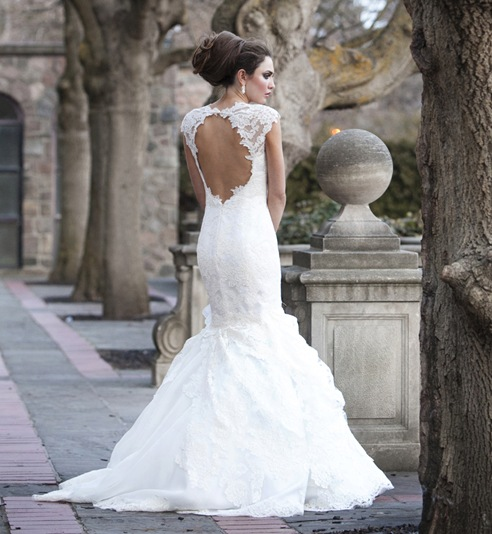 lace trumpet open back wedding dress